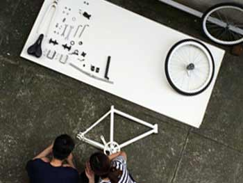 assembling-a-bicycle-1727903_1280.jpg